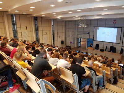 M.M.Sysło presenting